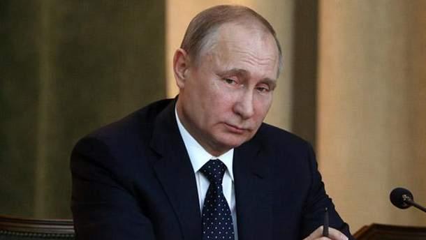 Больной Путин появился на людях