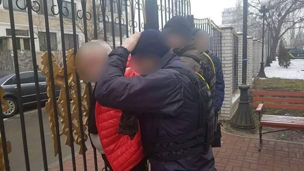 У Києві затримали хабарників