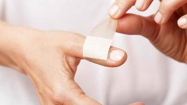Чому порізи від паперу викликають сильний біль