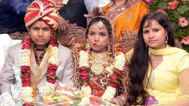 В Індії жінка прикинулась чоловіком і двічі одружилась заради наживи