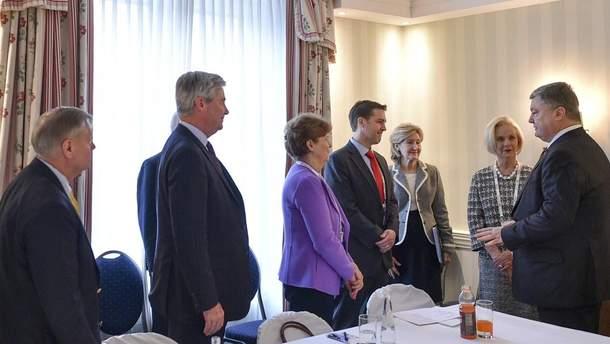 Порошенко зустрівся із делегацією Конгресу США