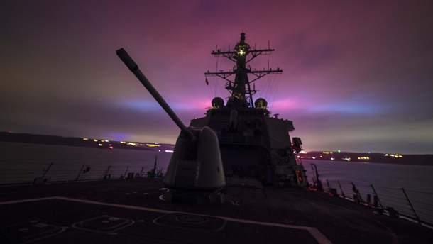 Есмінець USS Carney