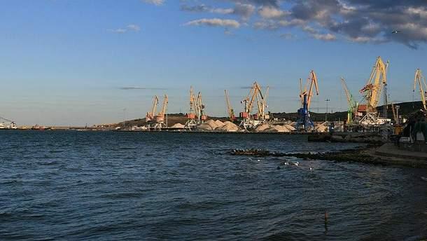 За полгода в  порты Крыма незаконно зашло почти 600 судов