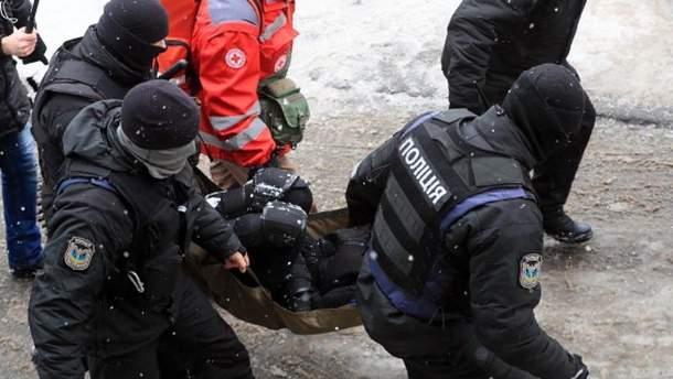 Під час суду над Трухановим правоохоронець отримав вогнепальне поранення