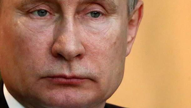 Доки Путін гратиме роль миротворця