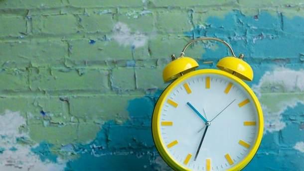 Когда переводят часы 2019 в Украине на летнее время -  переход на летнее время