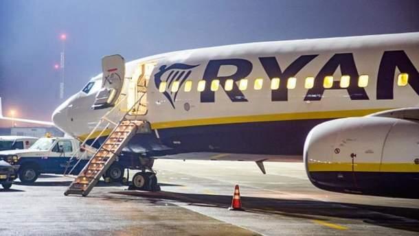 """Літак Ryanair приземлився у """"Борисполі"""""""