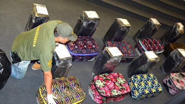 Изъятые наркотики в посольстве России были в чемоданах
