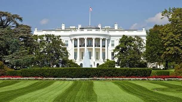 В огорожу Білого дому в'їхав автомобіль