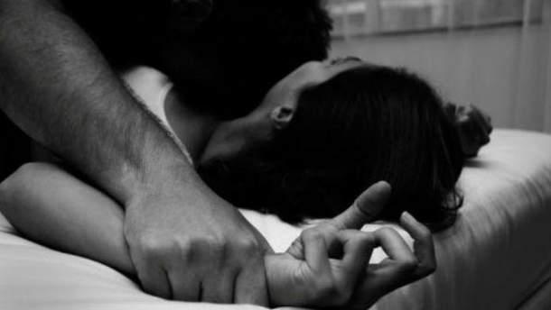 Девушке подсыпали амфетамин видео, порно домашка супругов