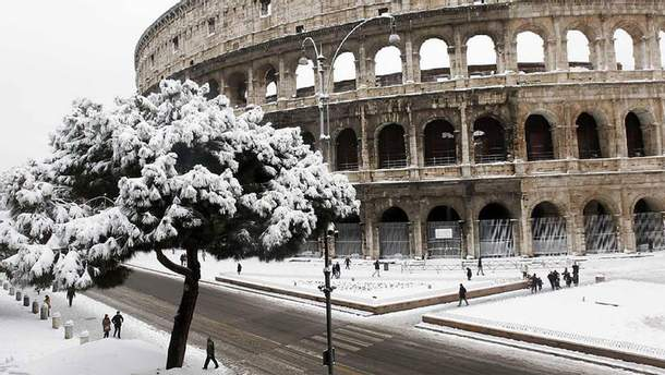 Сибірський буран засипав Рим і частину Італії снігом