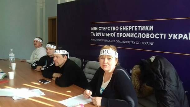 Шахтеры шестой день голодают в помещении Минэнергоугля