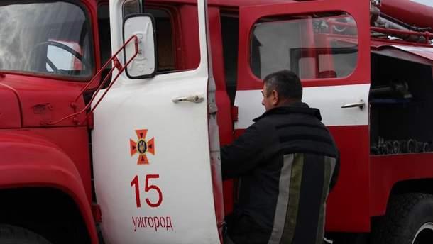 Невідомі підпалили офіс угорців у Ужгороді