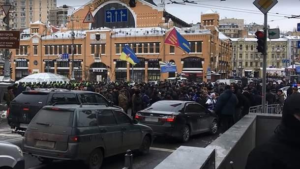 Центр Києва перекрили ветерани