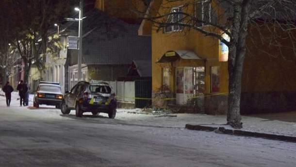 Елітне авто і магазин депутата від БПП підпалили на Закарпатті