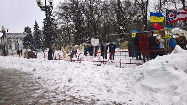 Палаточный городок под зданием ВР в Киеве