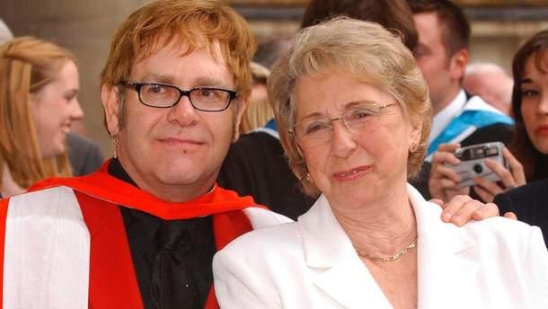 Елтон Джон і його матір Шейла Фейрбразер