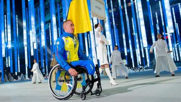 Біатлоніст і лижник Михайло Ткаченко був єдиним українським спортсменом на церемонії відкриття Паралмпіади у Сочі у 2014 році