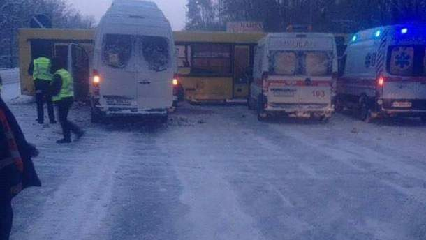Страшное ДТП с участием детей произошло в Киеве