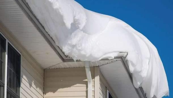 Из-за снегопада обвалилась крыша больницы в Кропивницком