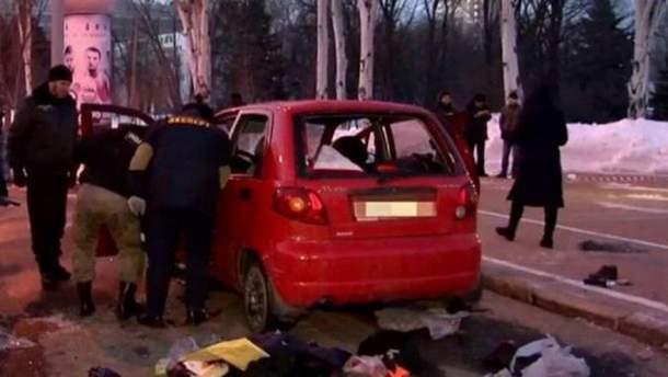 Колишній бойовик підірвав машину своєї дівчини в центрі Донецька