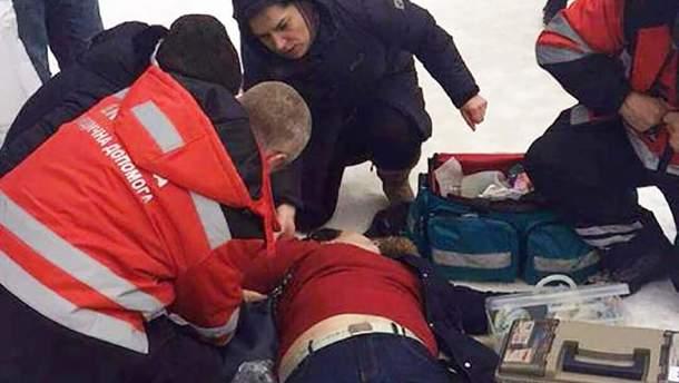 В Киеве на улице умерла женщина