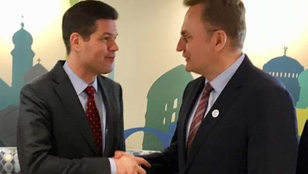 Андрій Садовий зустрівся з помічником держсекретаря США Весом Мітчелом