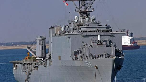 Большой десантный корабль США вошел в Черное море