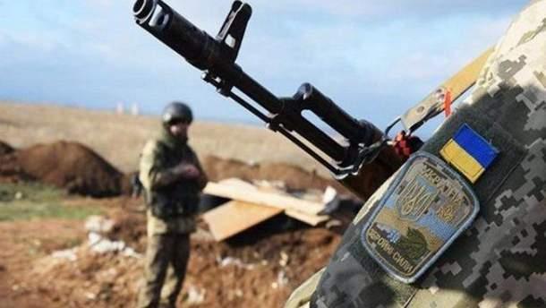 Военные ВСУ устроили стрельбу в Славянске