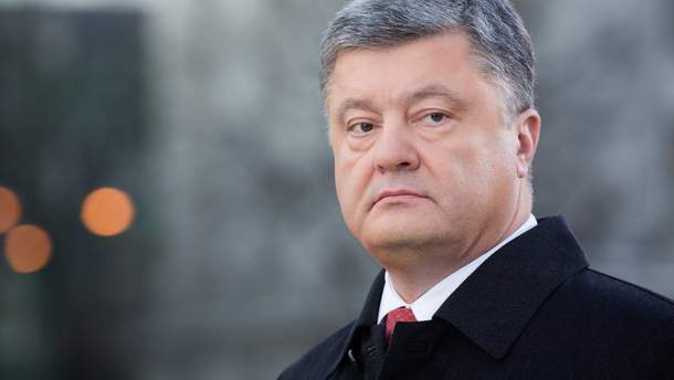 Порошенко не возложил цветы к памятнику Шевченко
