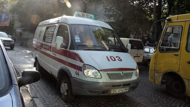 Во Львове произошла авария с участием машины скорой помощи