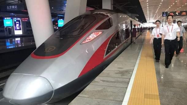 Сверхскоростной поезд впервые протестировали в Пекине