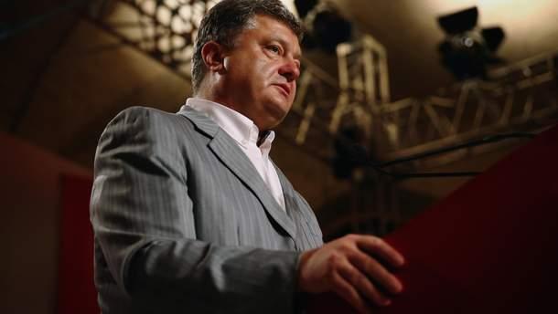 Порошенко провел закрытую встречу с украинскими блогерами