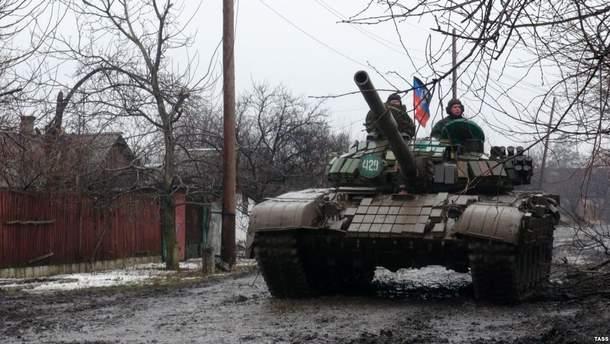 Боевики перебрасывают технику на Донбассе во время перемирия