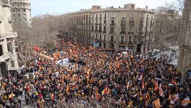 В Каталонии снова прошли многотысячные протесты в поддержку независимости региона