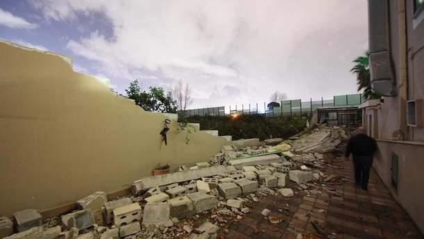Разрушенные дома в результате торнадо в Италии
