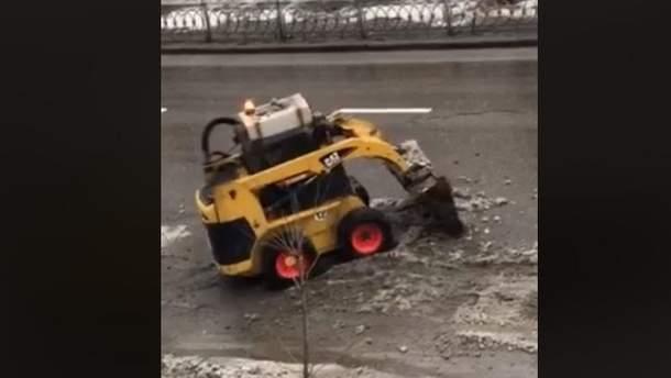 """""""Ноу-хау"""" для прибирання снігу у Києві"""