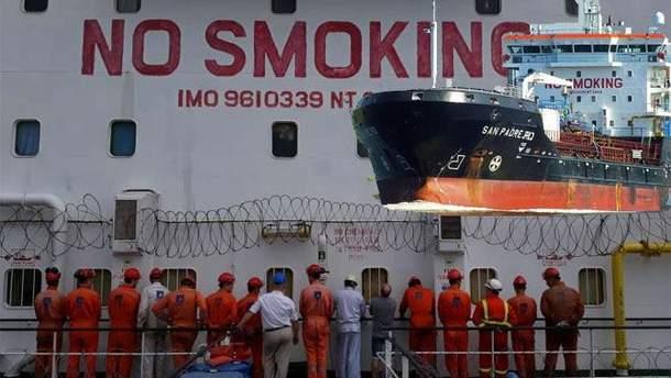 16 українських моряків заарештували у Нігерії за незаконну торгівлю паливом