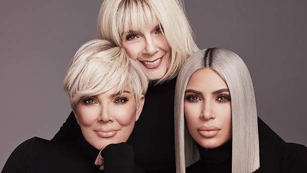 В кампейне косметики Ким Кардашян приняли участие ее мама и бабушка: стильные фото