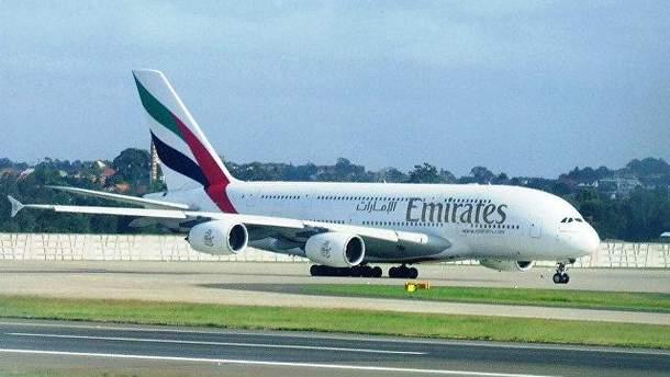 В Уганді з літака випав член екіпажу Emirates