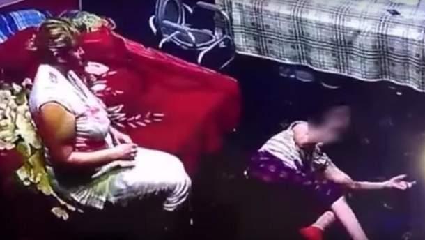 В Харькове няня избила девочку с ДЦП