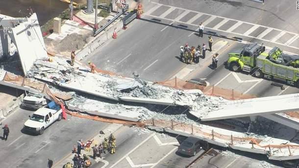 Мост обрушился во Флориде