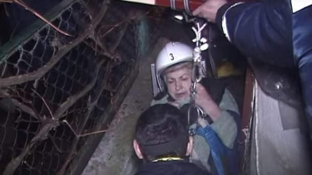 Во Львовской области женщина  упала в 4-метровую пропасть