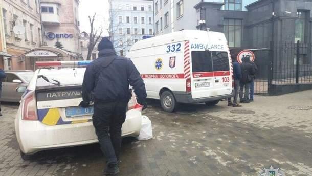 В Киеве обнаружили тело мужчины с ножевыми ранениями шеи