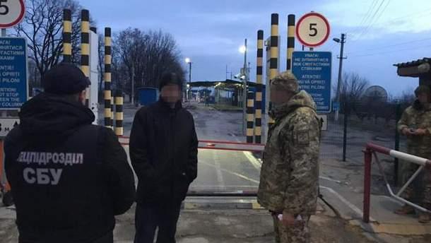 """СБУ выдворила за пределы Украины криминального """"авторитета"""""""