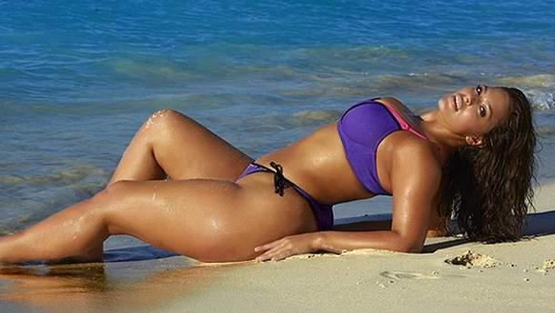 Эшли Грэм снялась в купальнике
