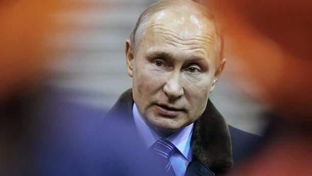 За 18 лет Россией правили три разых Путина