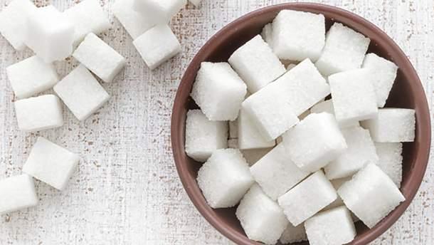 Чому не варто виключати цукор з раціону: поради дієтолога