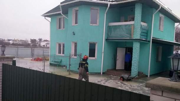 В Киевской области люди не могли покинуть дом, потому что все, что было во дворе вмерзло