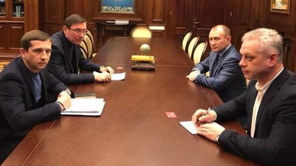 """Луценко назвав причину обшуків у """"Новій пошті"""""""